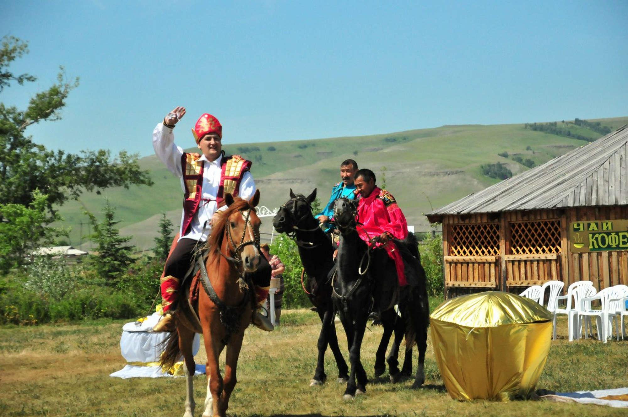 «Айран Хан со своей свитой приглашает всех на праздник Айрана»  Горбатова Оксана Сергеевна